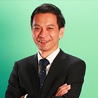 常務執行役員 営業本部長 八木敏英氏 顔写真
